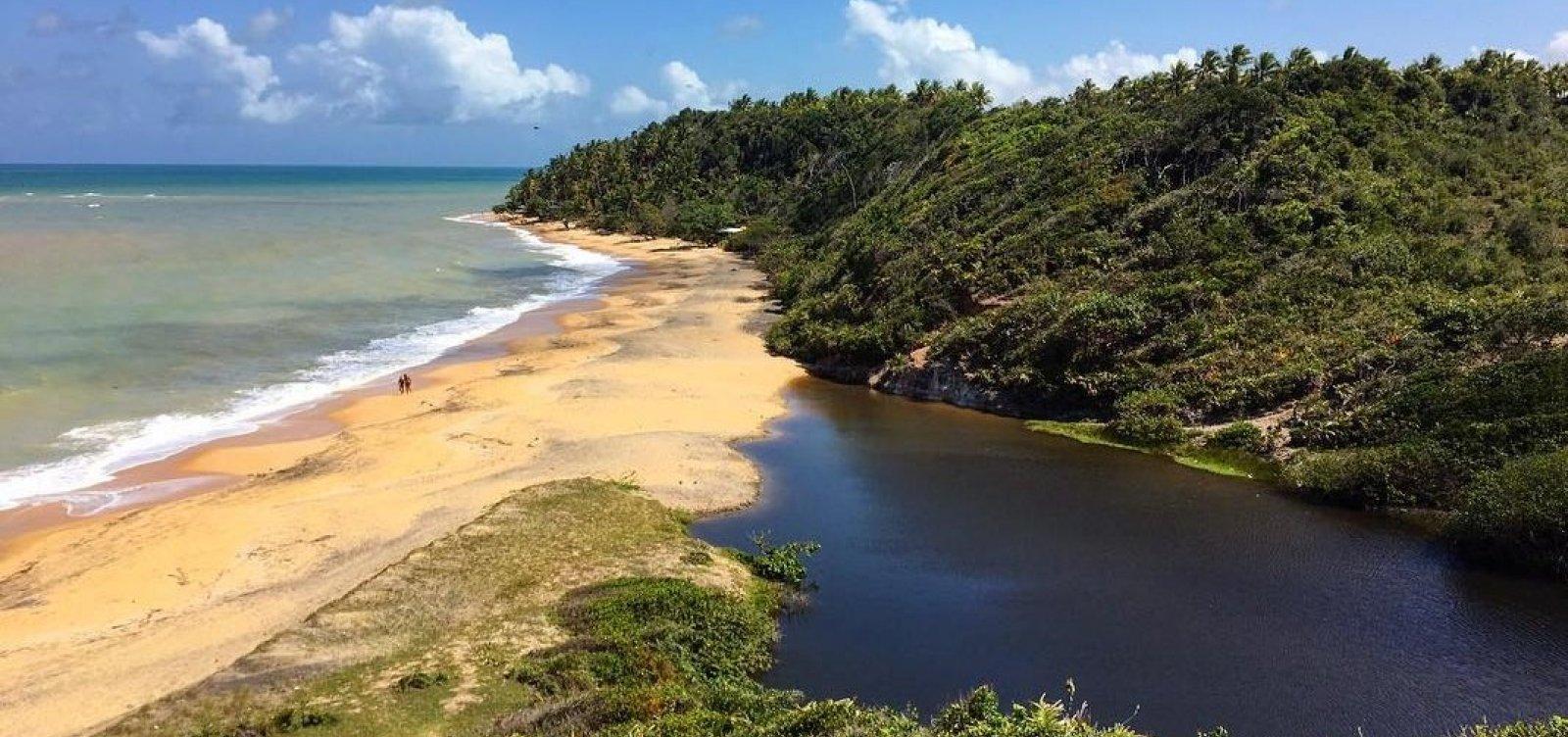 Na dúvida entre mar ou lagoas? Você encontra os dois Ponta do Satu, entre Caraíva e Praia do Espelho