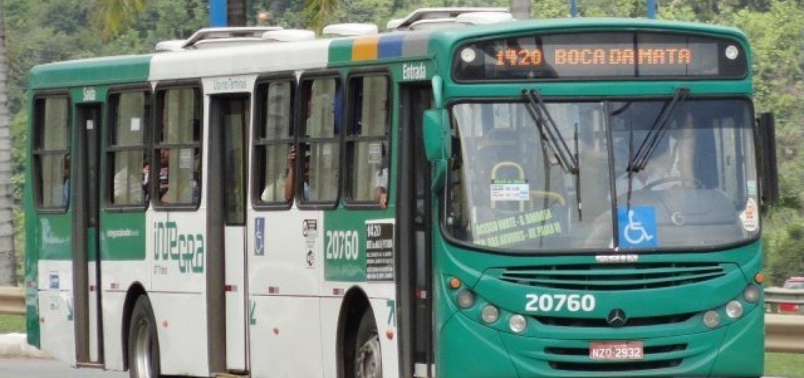 Após atraso, ônibus começam a sair das garagens em Salvador