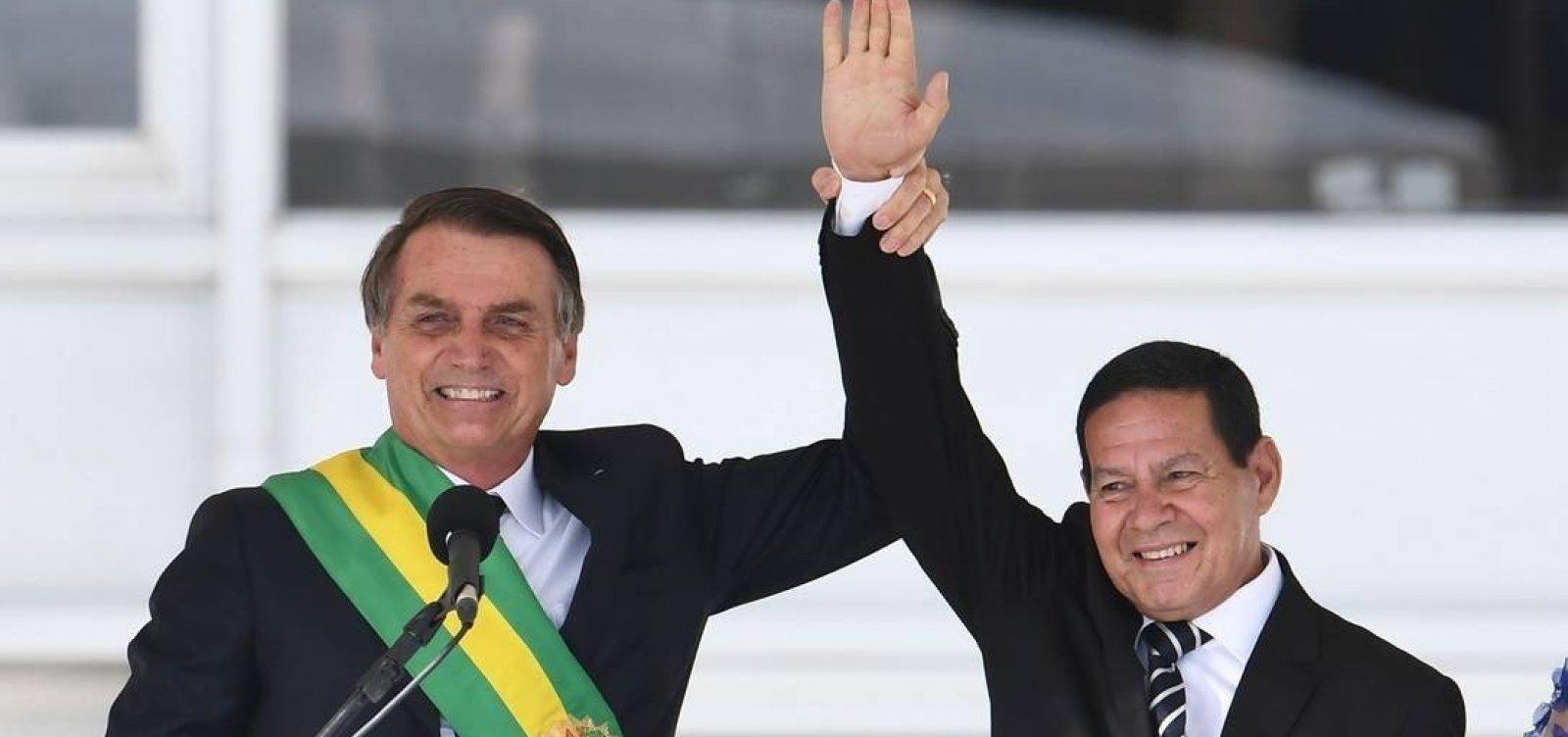 Bolsonaro sugere que Mourão age como presidente paralelo, diz jornal