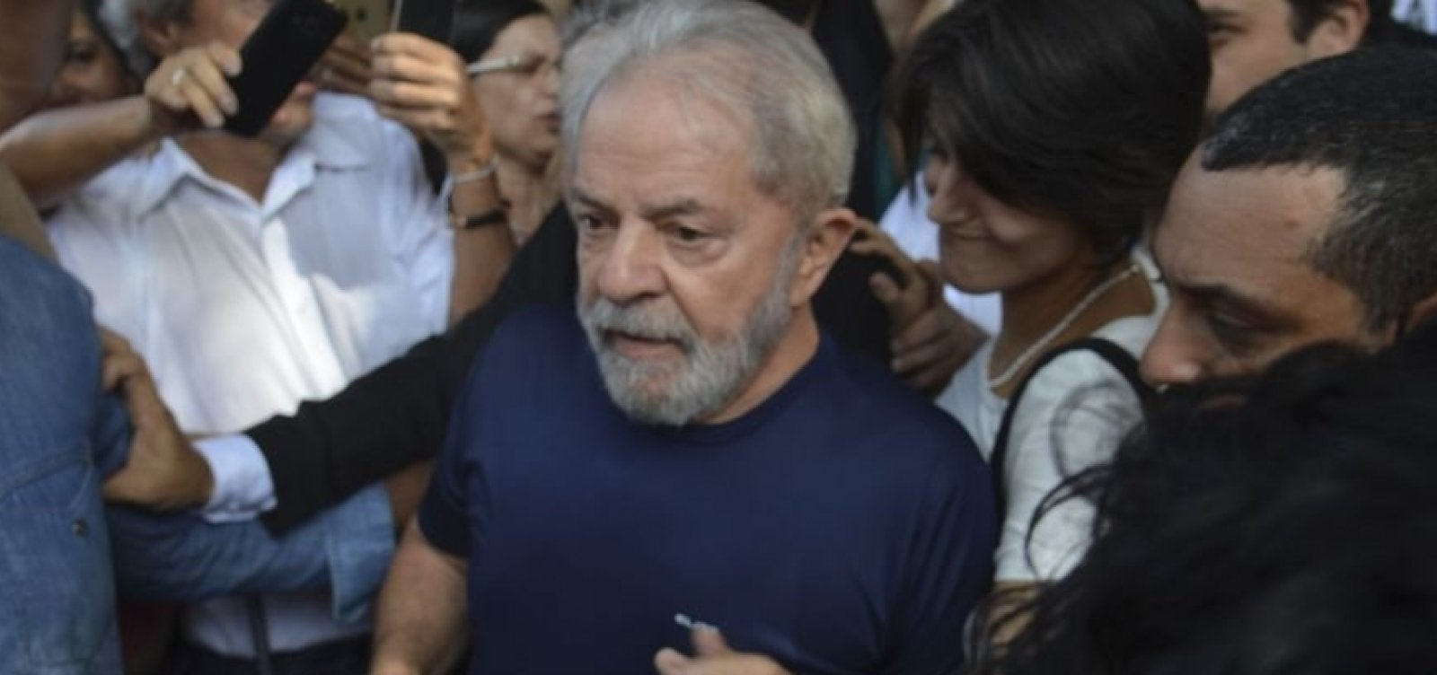Lula: Triplex foi comprado em 'trambique' por 'amigo do Moro'