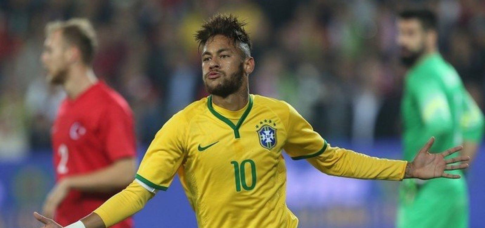 'Ninguém tem sangue de barata', diz Neymar após soco em torcedor