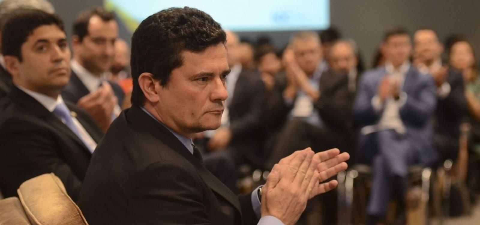 Bolsonaro volta atrás e diz que Coaf continua com Moro