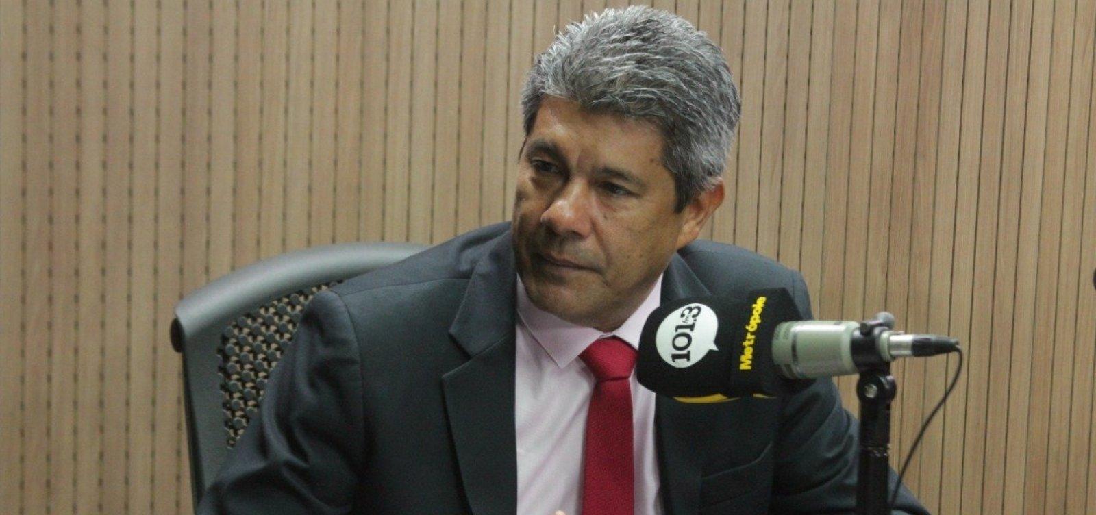 Secretário diz que governo quer diminuir evasão escolar e lamenta índice de reprovação na Bahia
