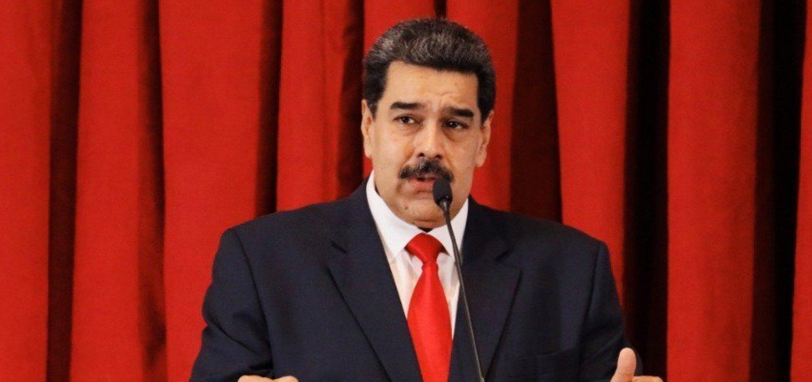 Maduro nega ter perdido apoio de militares e acusa oposição de golpe
