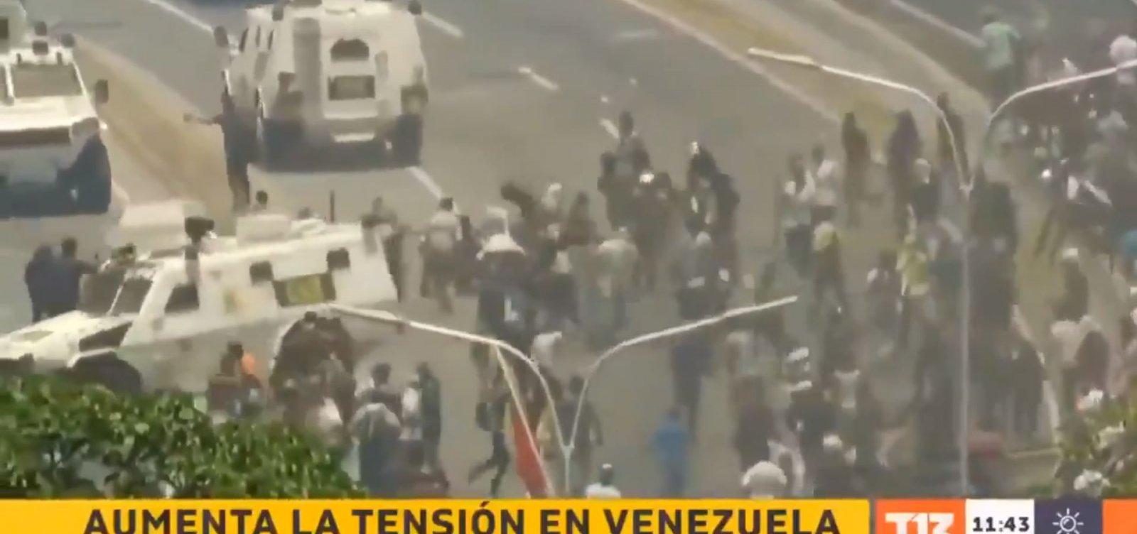 Assista: blindados atropelam manifestantes contra Maduro na Venezuela