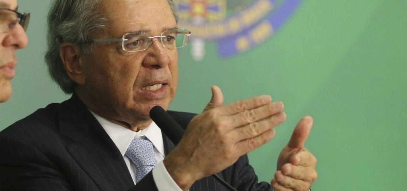 'Somos liberais e liberais não aumentam impostos', diz Guedes
