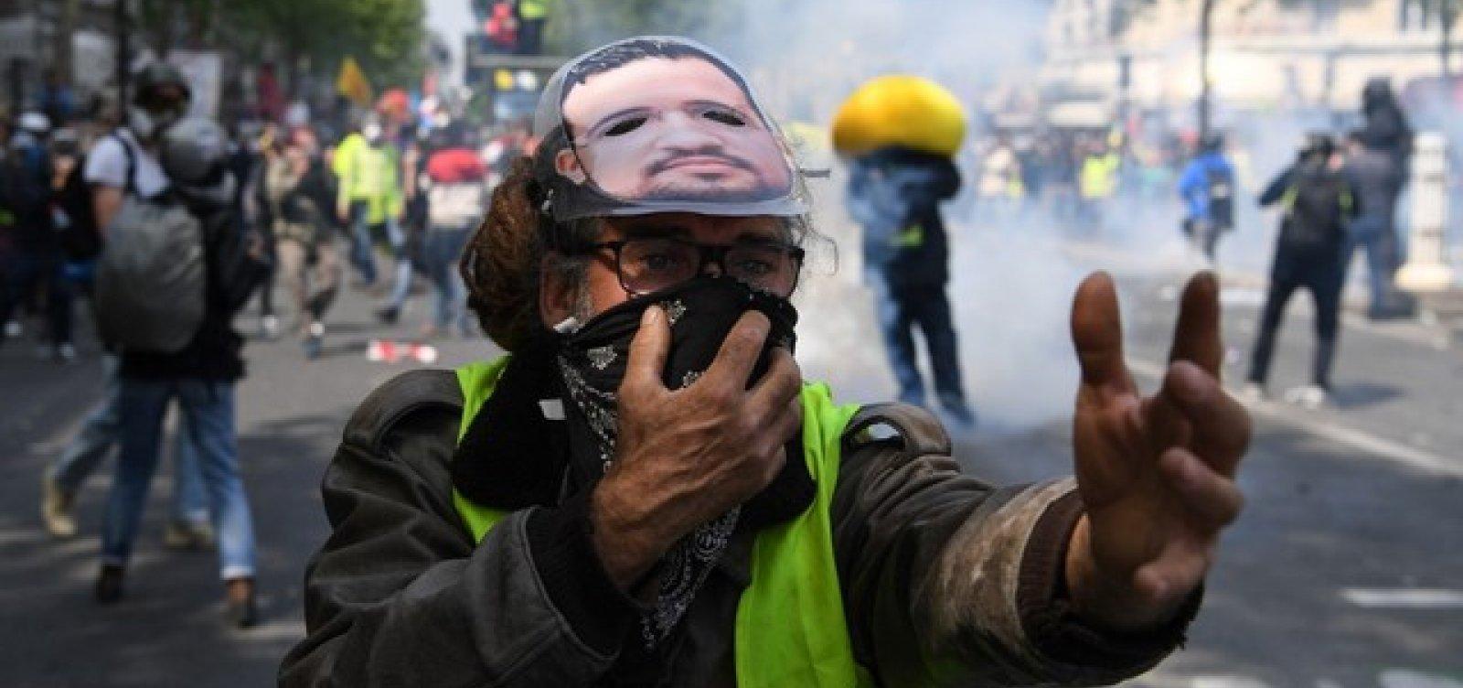 Protesto dos coletes amarelos no Dia do Trabalho tem confronto com a polícia em Paris