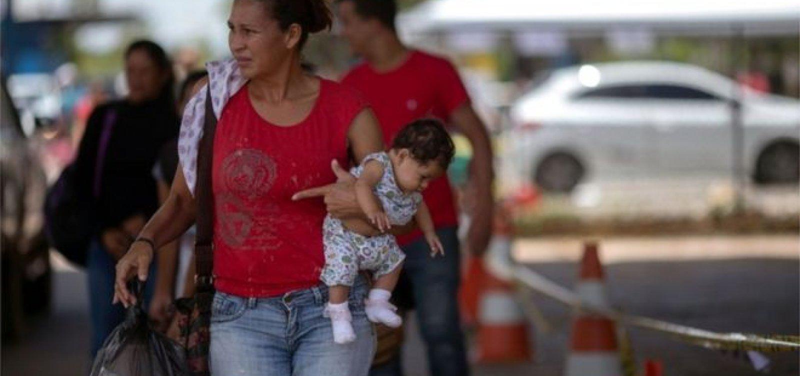 Entrada de venezuelanos na fronteira com o Brasil triplicou na última terça