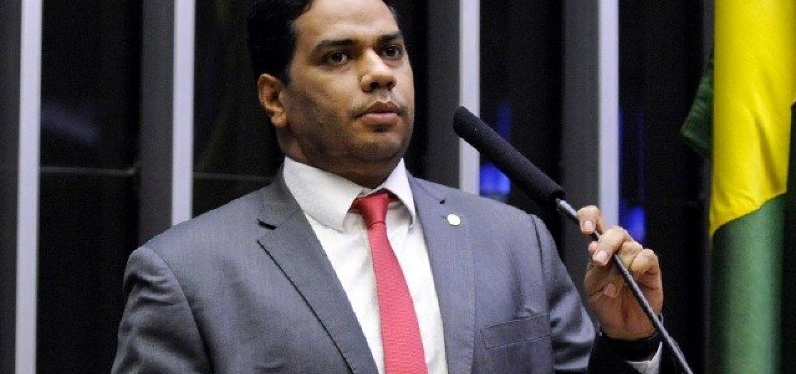 Deputados de Roraima protestam contra dinheiro liberado para venezuelanos