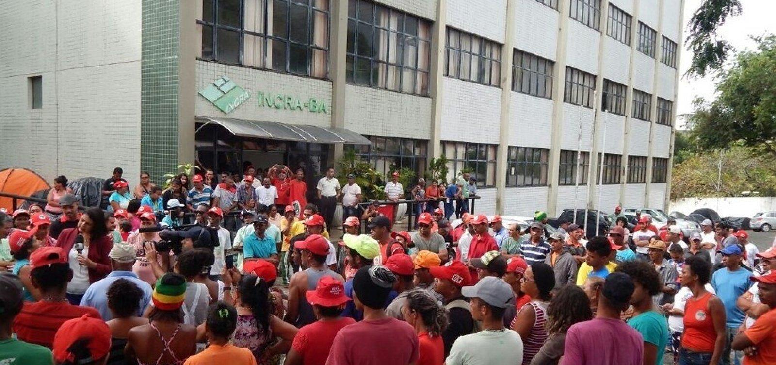 Governo Bolsonaro orienta retirada de manifestantes de prédio público sem ordem judicial