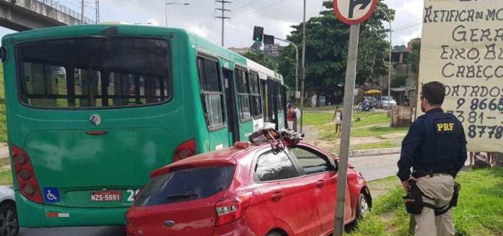 Suspeitos de assalto são presos pela PRF em Salvador