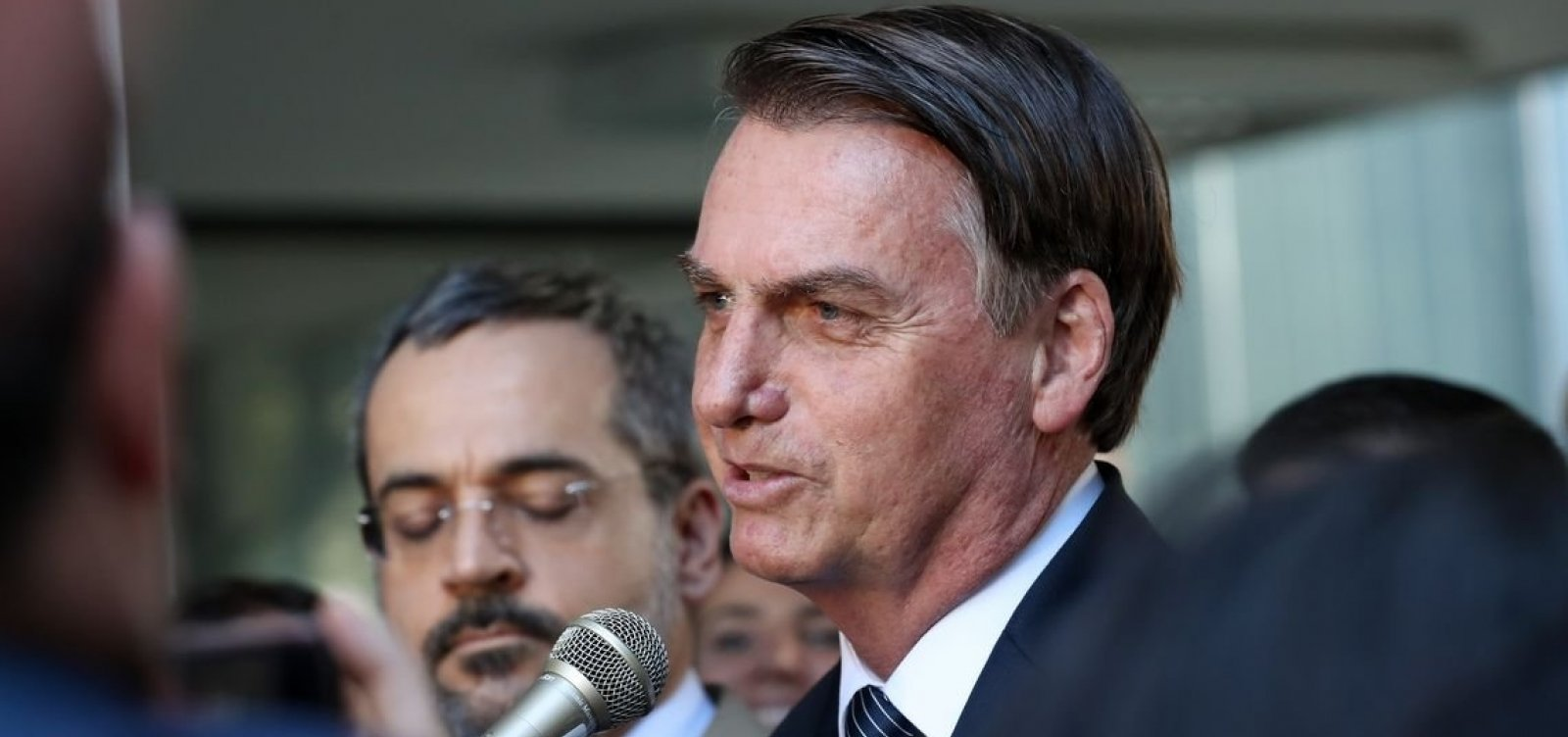 'Vamos até o limite do Itamaraty', diz Bolsonaro sobre Venezuela