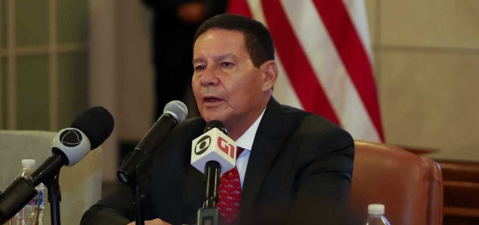 Decisão de Guaidó de tentar derrubar governo não foi a melhor, diz Mourão