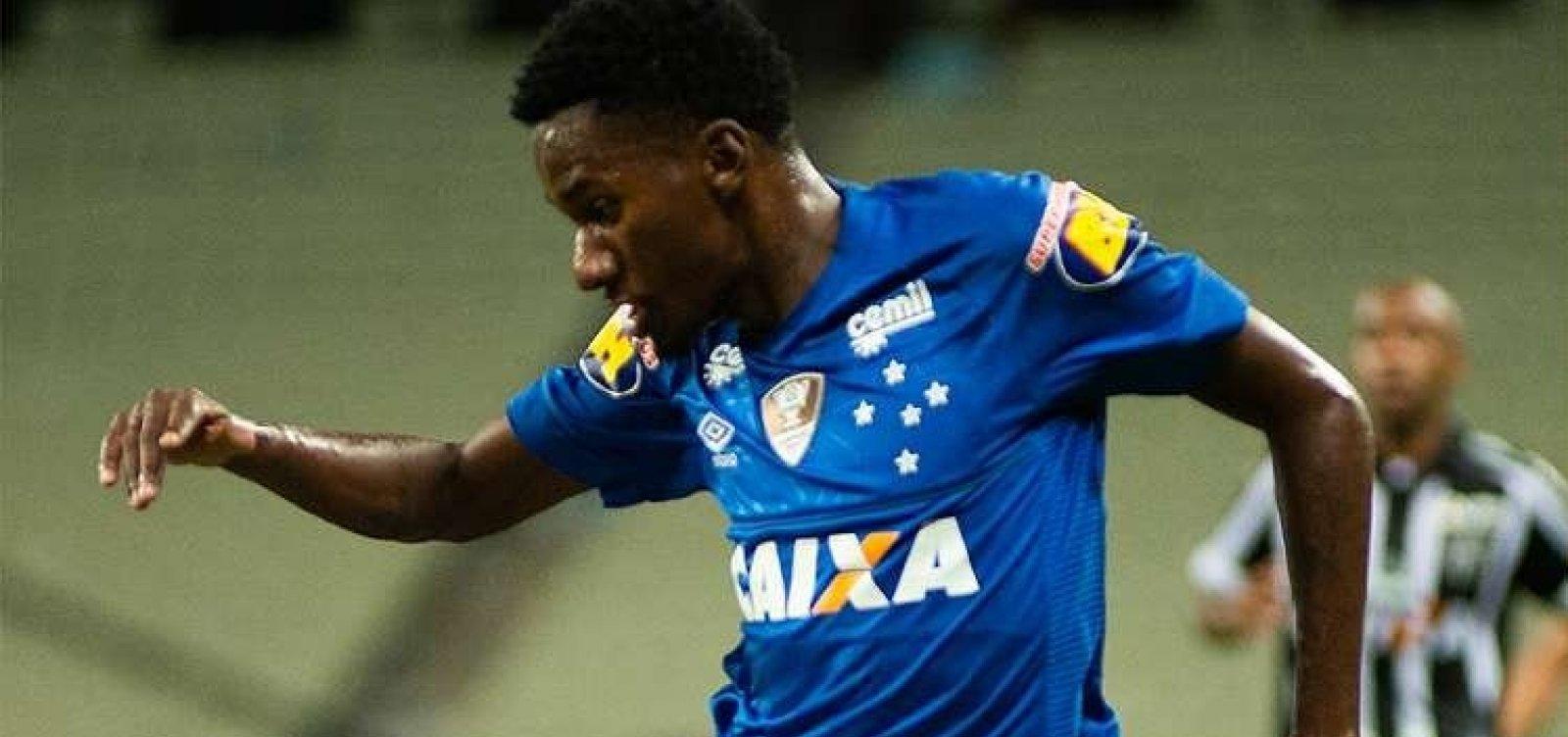 Marcelo, atacante do Cruzeiro, é nova contratação do Vitória