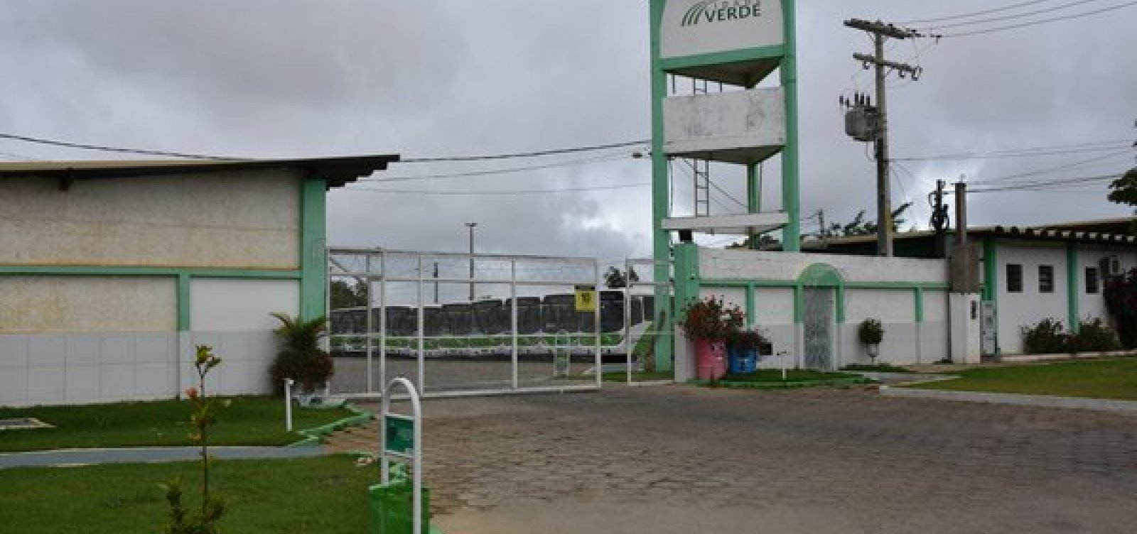 Vitória da Conquista: Empresa de ônibus anuncia demissão de 320 rodoviários