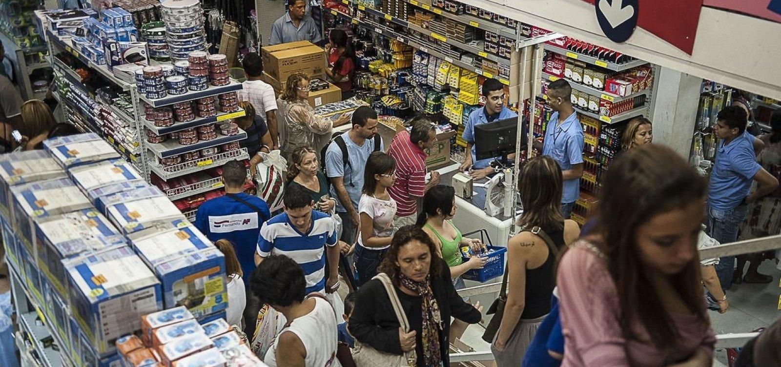 Aumenta o número de famílias brasileiras endividadas no país, diz CNC