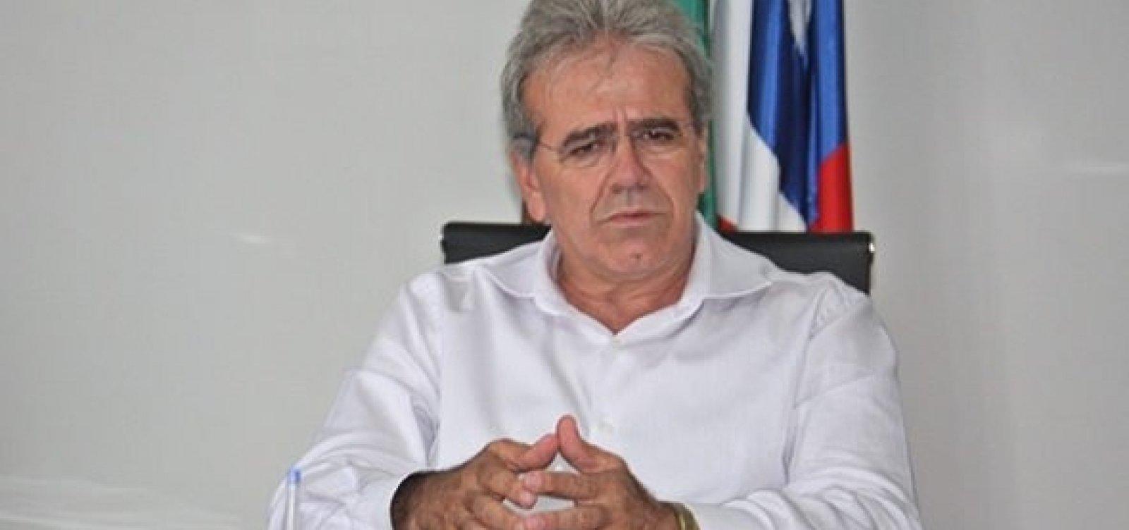 Ex-prefeito de Teixeira de Freitas é denunciado por fraudar contrato com UPB