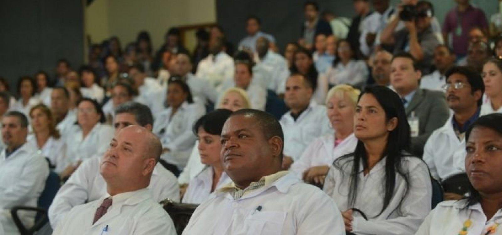 Cuba permite a volta de médicos cubanos que ficaram no Brasil