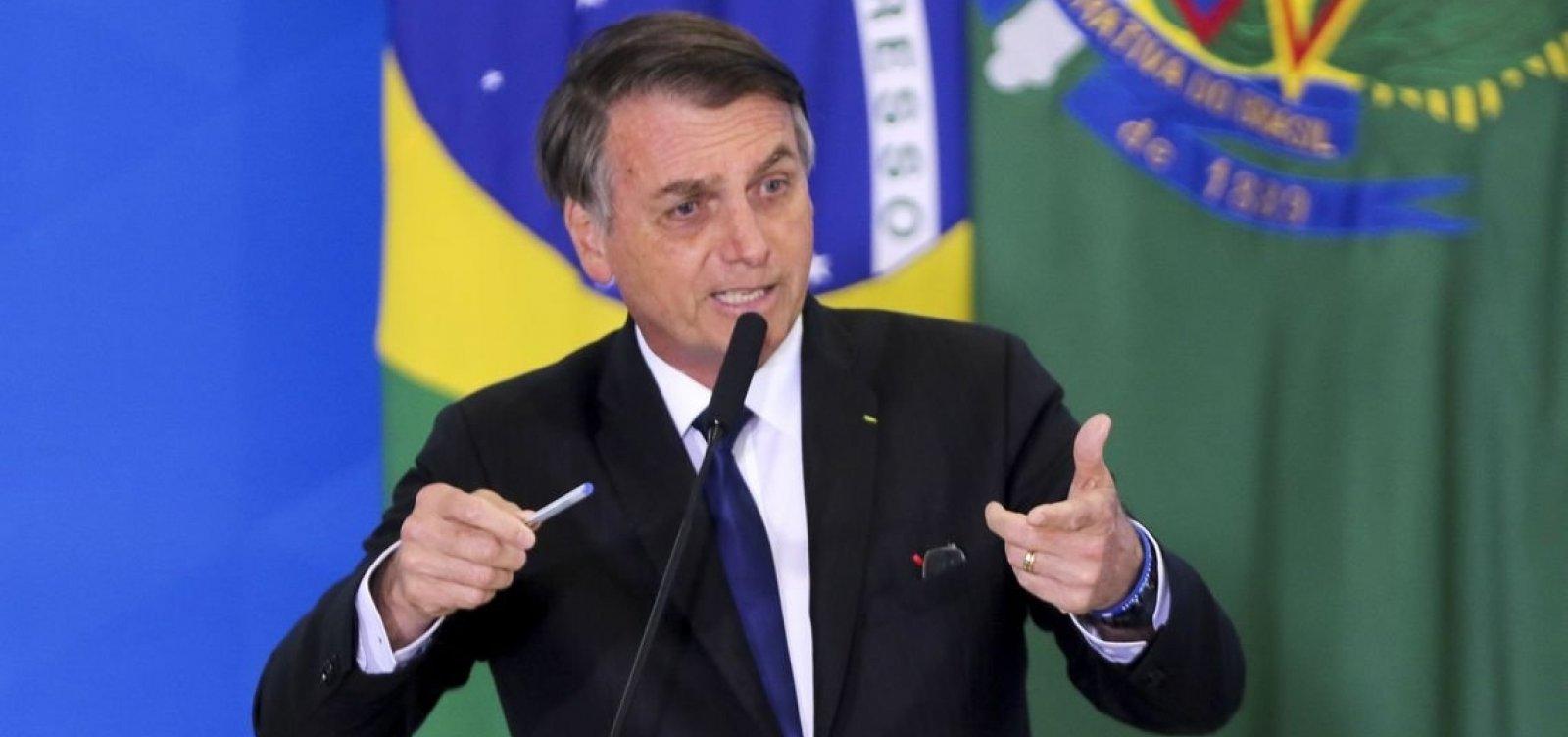 'Problemas? Sim, talvez tenha um tsunami na semana que vem', diz Bolsonaro sobre governo