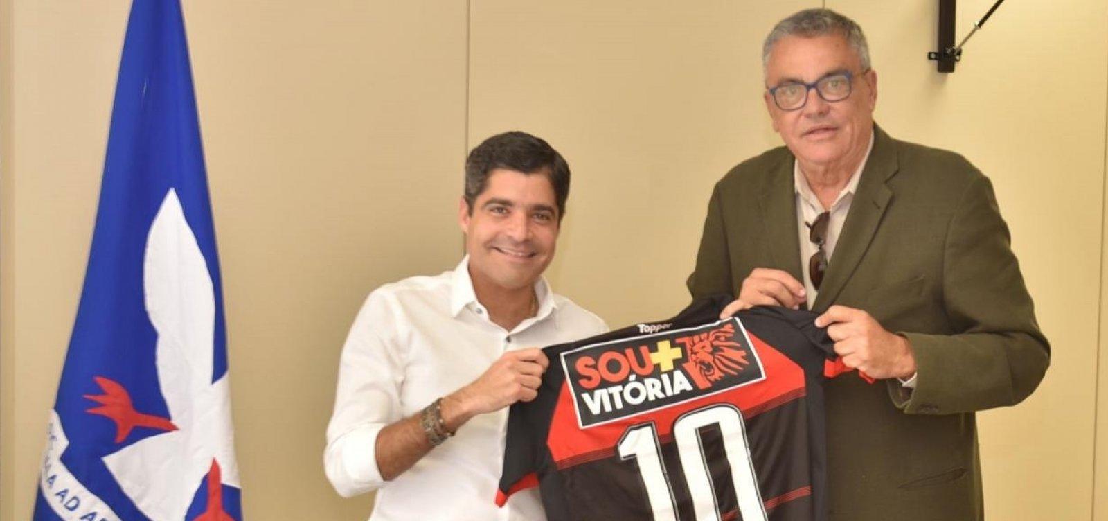 ACM Neto se reúne com Paulo Carneiro e promete atuação para ajudar o Vitória