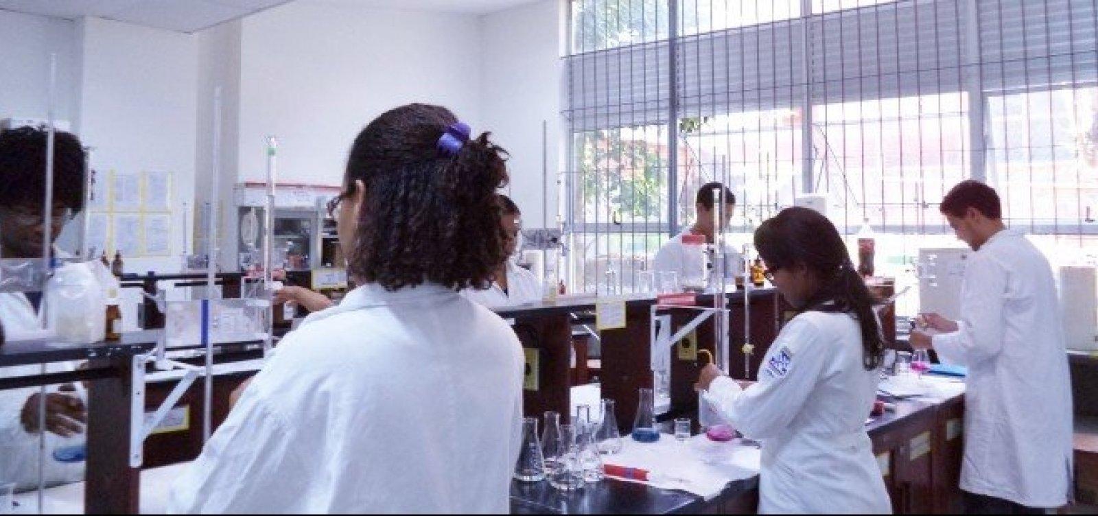 Cientistas temem apagão após cancelamento de projetos feito pelo governo