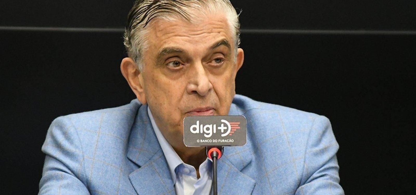 Presidente do Athlético-PR manda repórter calar a boca em entrevista; veja