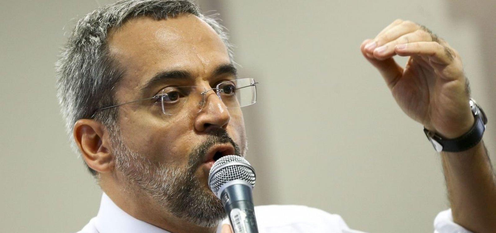 Governo reconhece que fala de Weintraub estimulou protestos nesta quarta