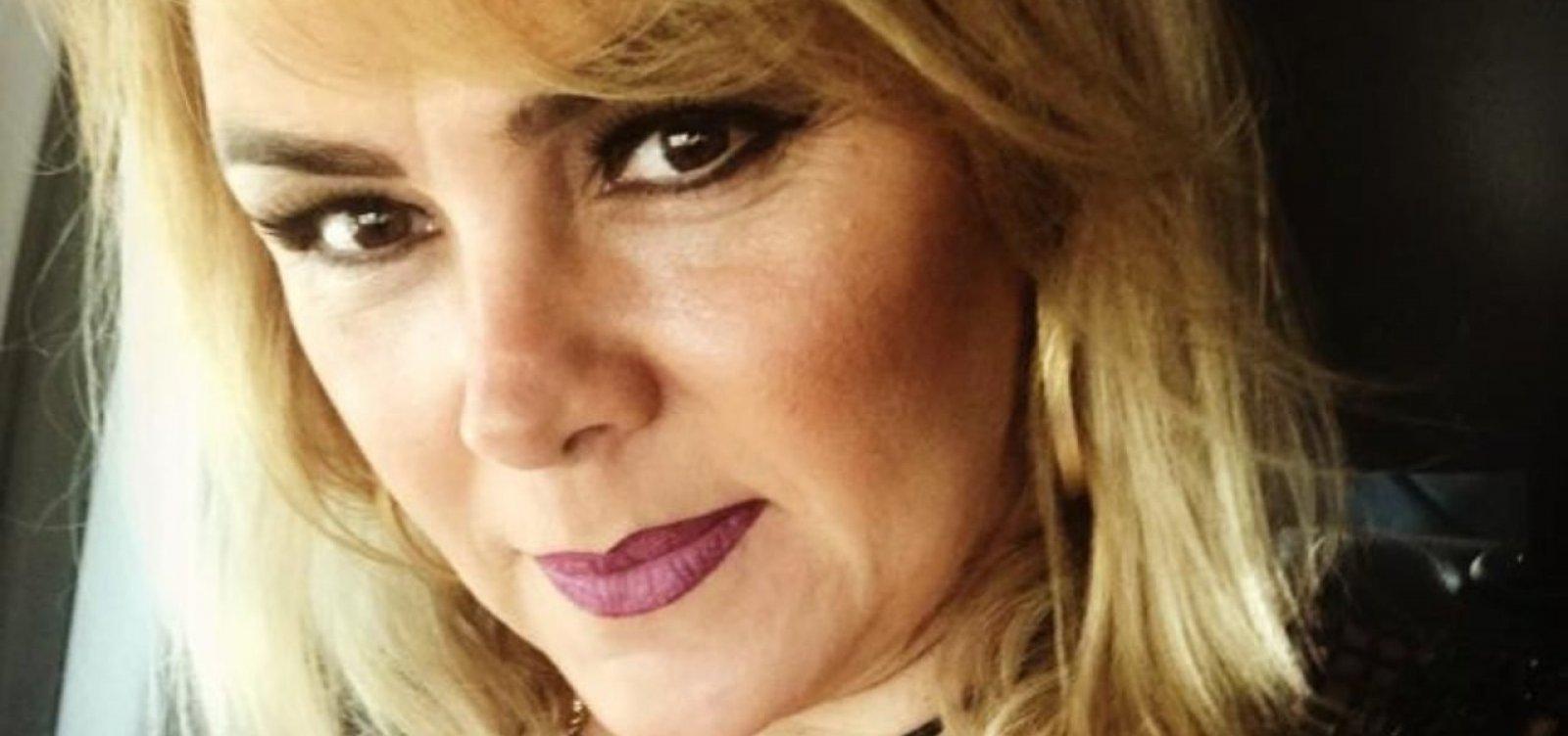 Novo advogado diz que ex-paquita estava apenas 'se coçando' em vídeo de suposta automutilação