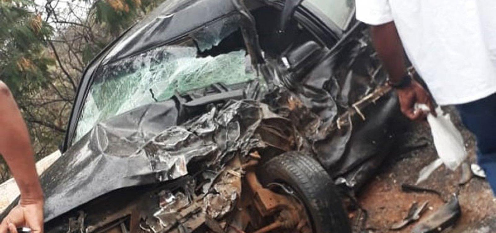 Motorista morre após colisão entre carro e viatura da PM