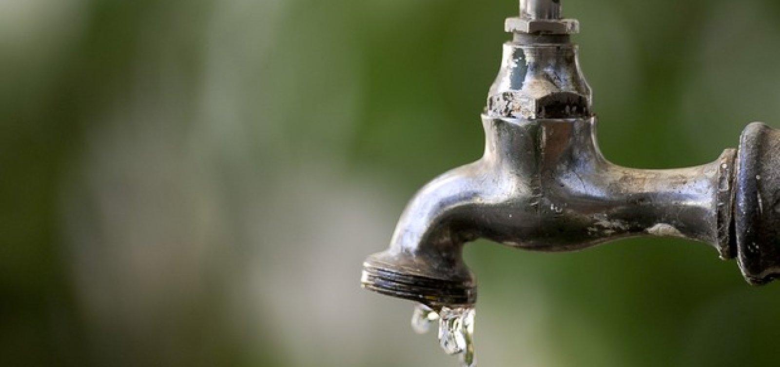 Após reclamação de moradores, Sesab diz que água não representa ameaça à saúde