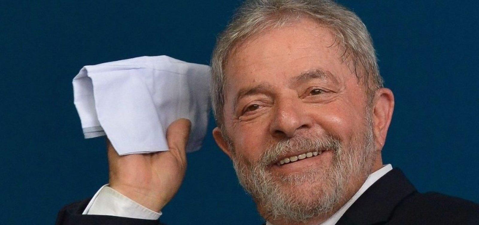 Lula está apaixonado e planeja se casar, diz ex-ministro