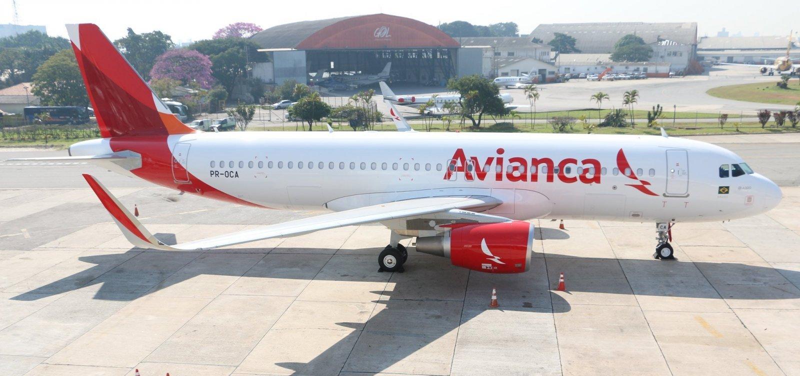Tripulantes da Avianca suspendem greve e alegam manobra da empresa