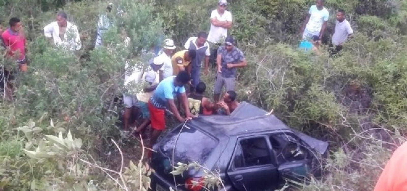 Acidente entre dois veículos deixa três mortos e quatro feridos na BR-101