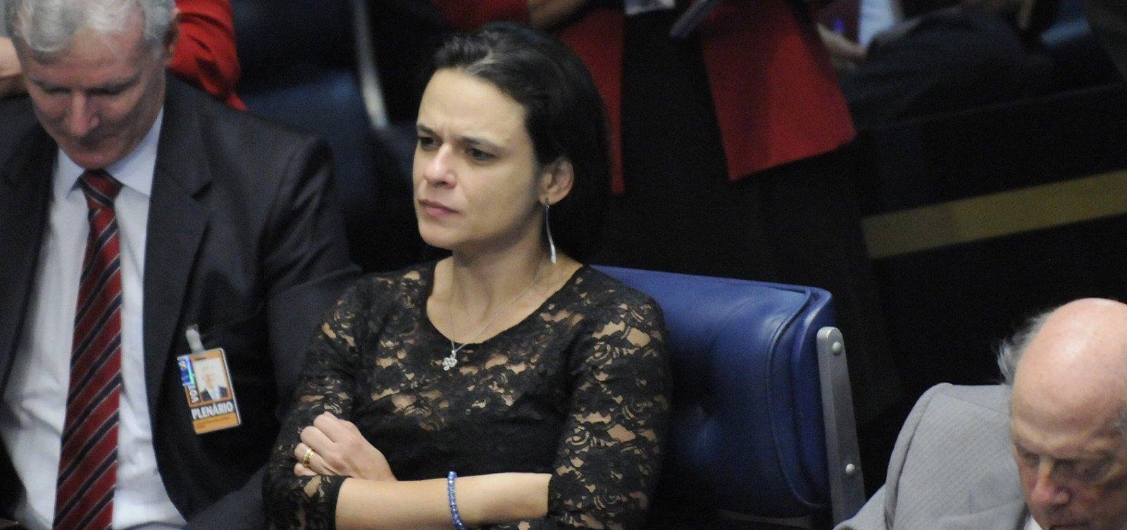 Janaina Paschoal anuncia que deixará o PSL e diz que colegas estão 'cegos'
