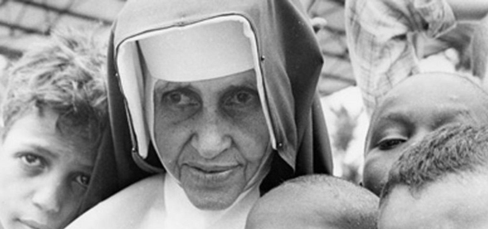 Missa comemora 60 anos das Obras Sociais Irmã Dulce