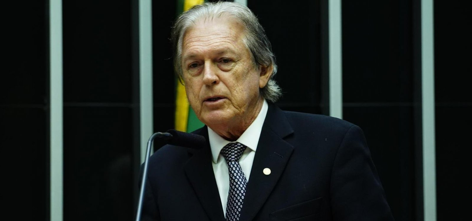 Presidente do PSL chama manifestações pró-Bolsonaro de 'sem sentido'