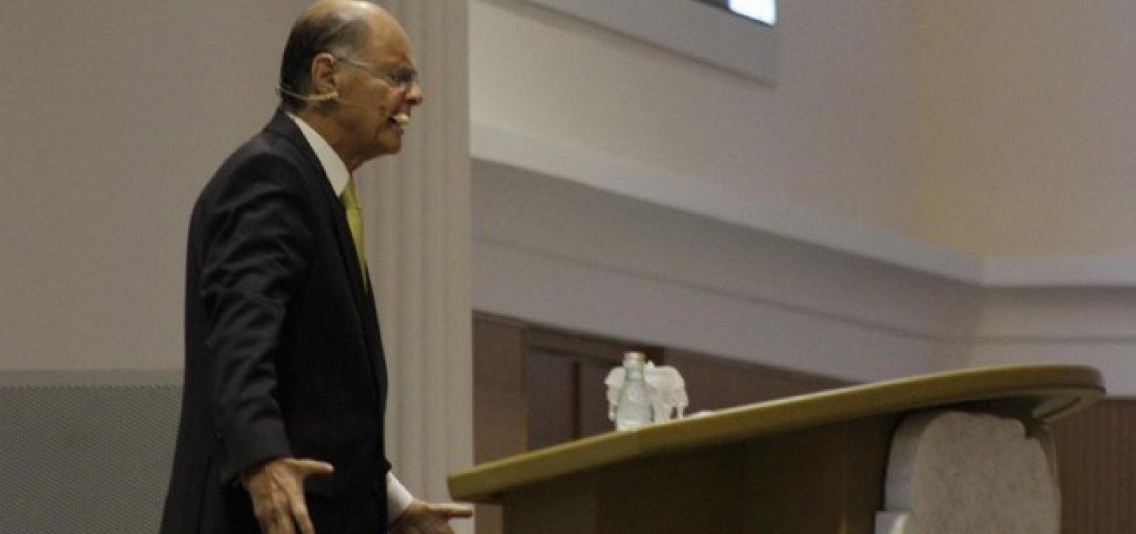 """Em oração, Edir Macedo pede para Deus """"remover"""" opositores de Bolsonaro"""