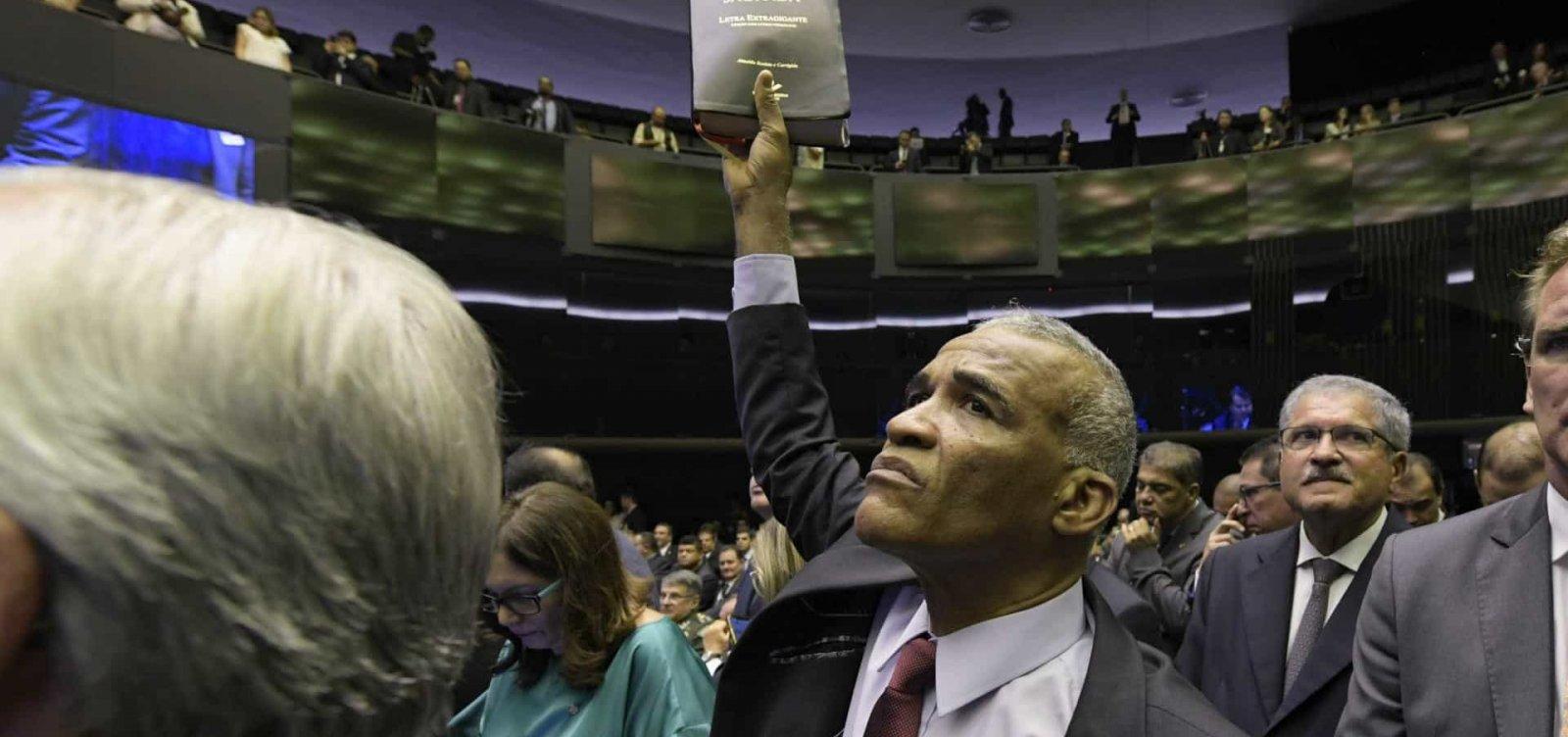 Isidório quer ser interlocutor da Câmara com Bolsonaro: 'Para conversar com doido, só outro doido'