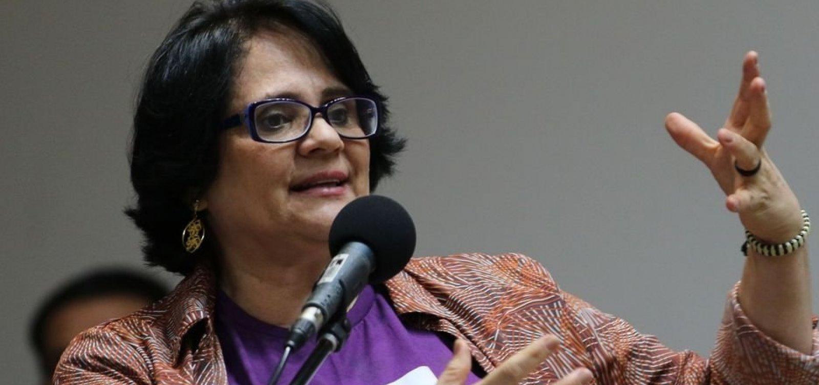 Em vídeo, Damares Alves diz que 'Nordeste tem manual prático de bruxaria para crianças'