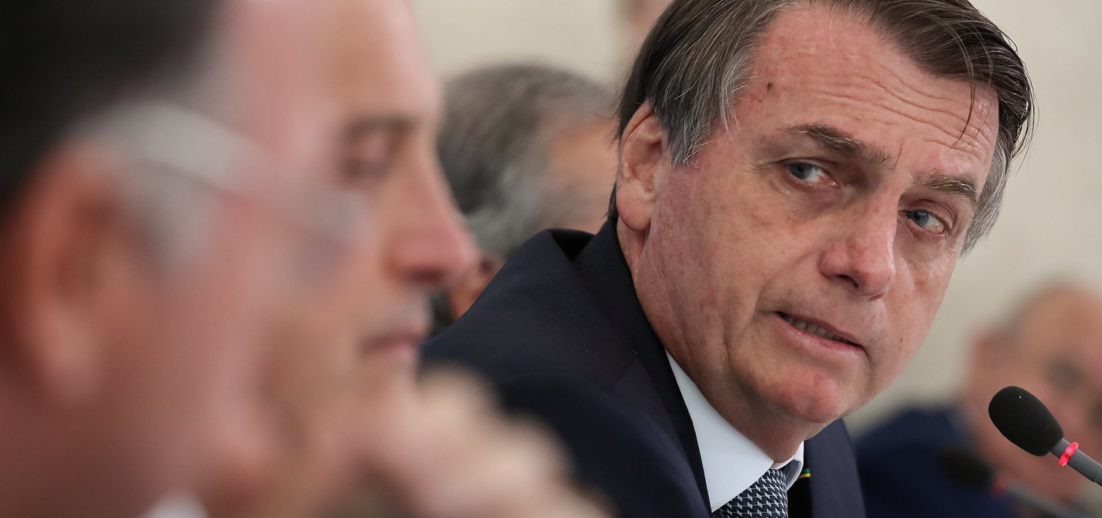 Bolsonaro recebe visita de executivo da Globo que classificou como 'inimigo'
