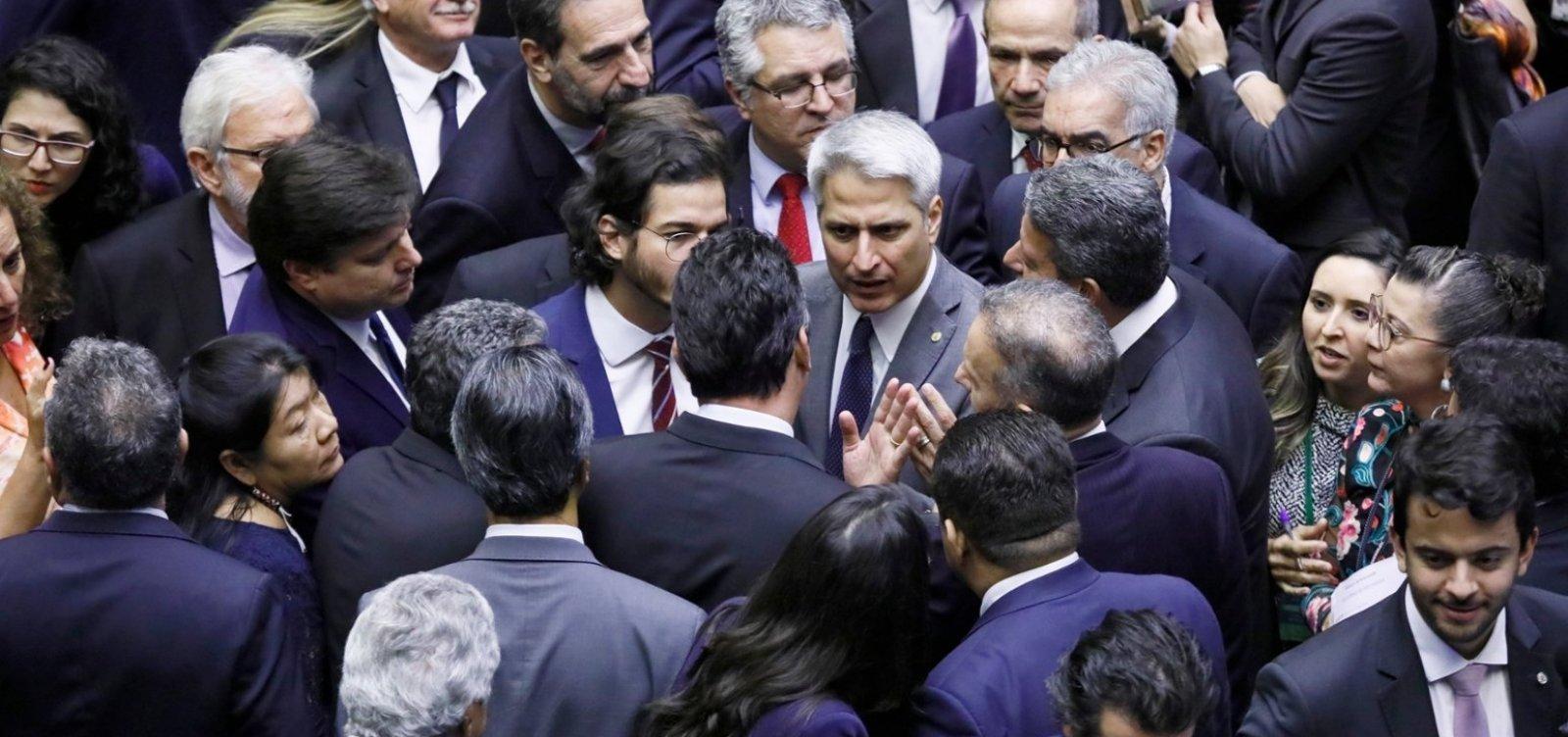 Câmara aprova MP que reduz número de ministérios e tira Coaf de Moro