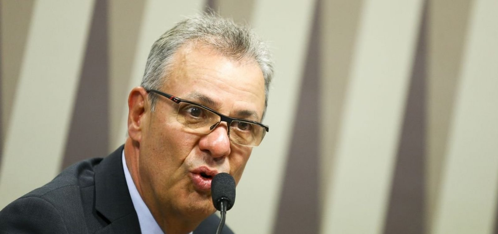 'Não tem barragem segura', diz ministro de Minas e Energia