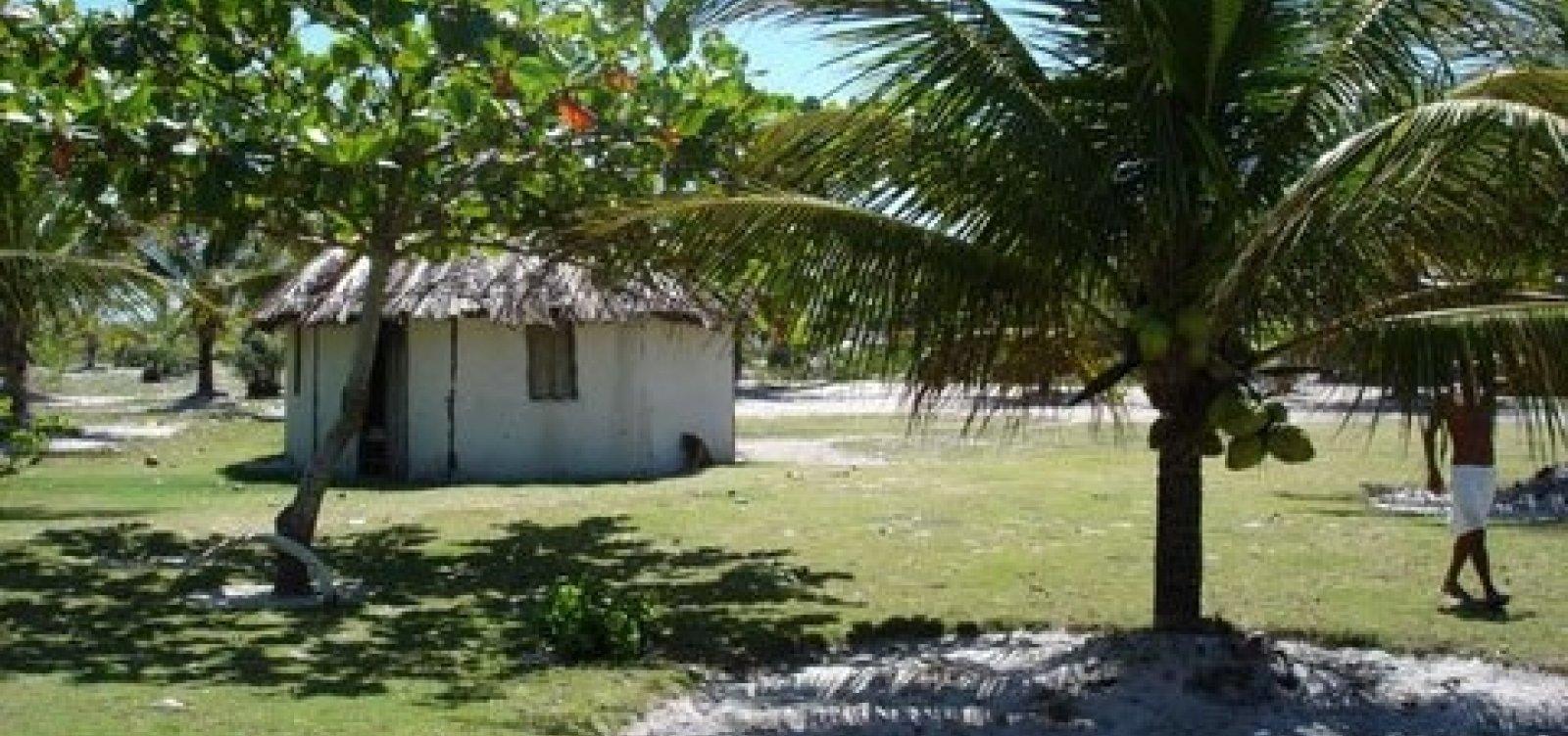 Três índios são baleados em aldeia de Porto Seguro
