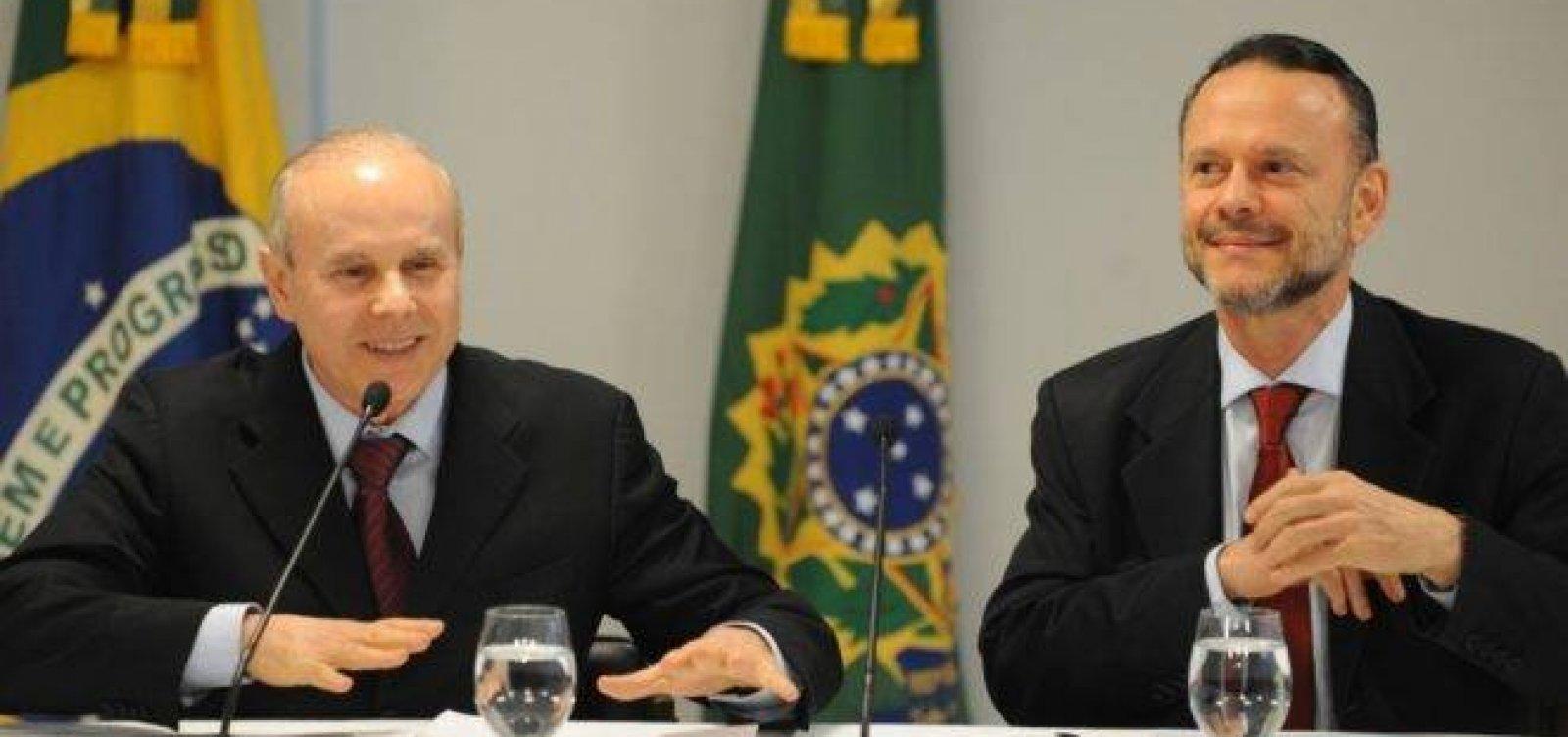 Mantega e Coutinho viram réus por fraude em repasses do BNDES