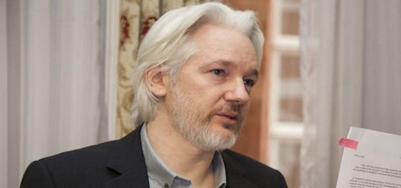 EUA apresentam 17 novas acusações contra Assange