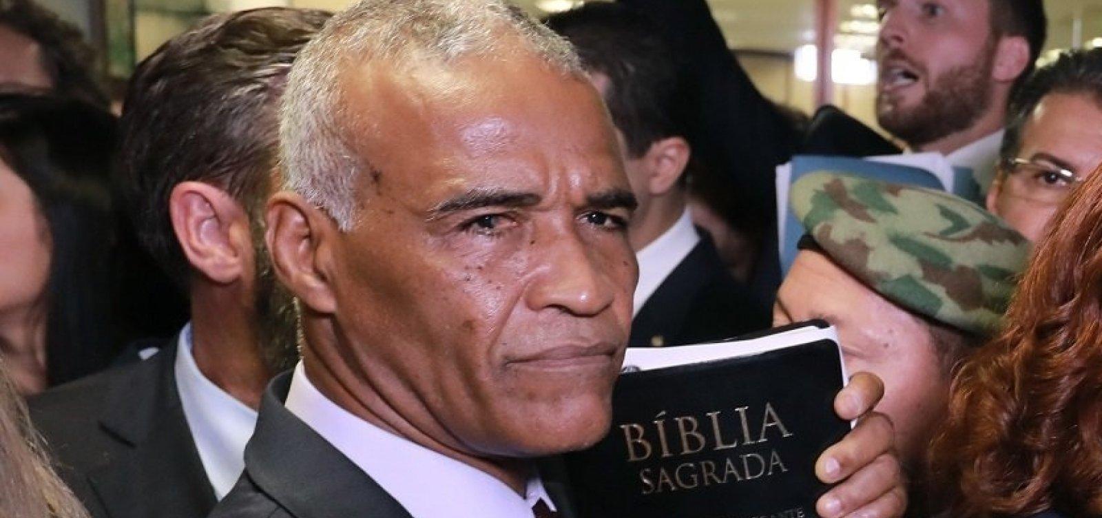 Isidório diz que 'falava sério' sobre interlocução com Bolsonaro