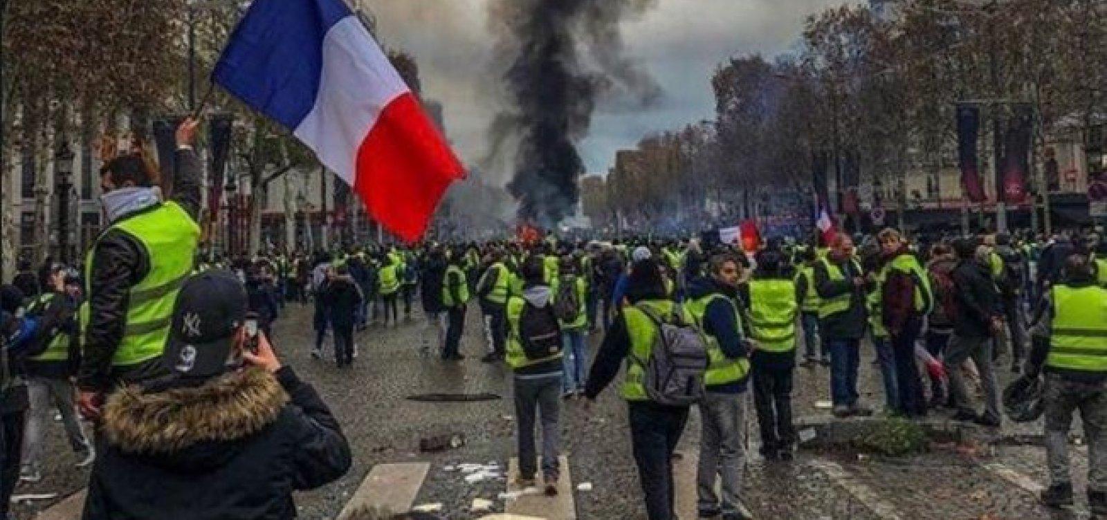 Coletes amarelos fazem 28º sábado de protestos na França
