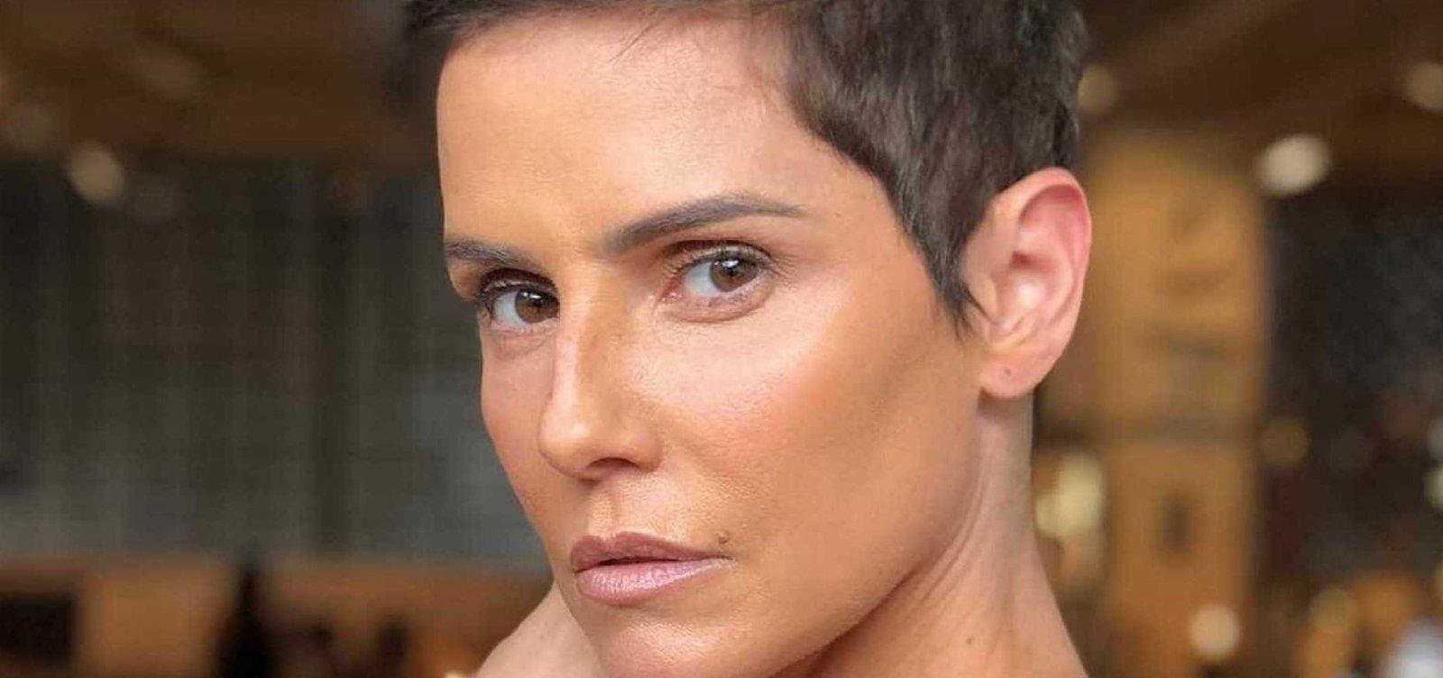 Deborah Secco é internada em hospital em São Paulo