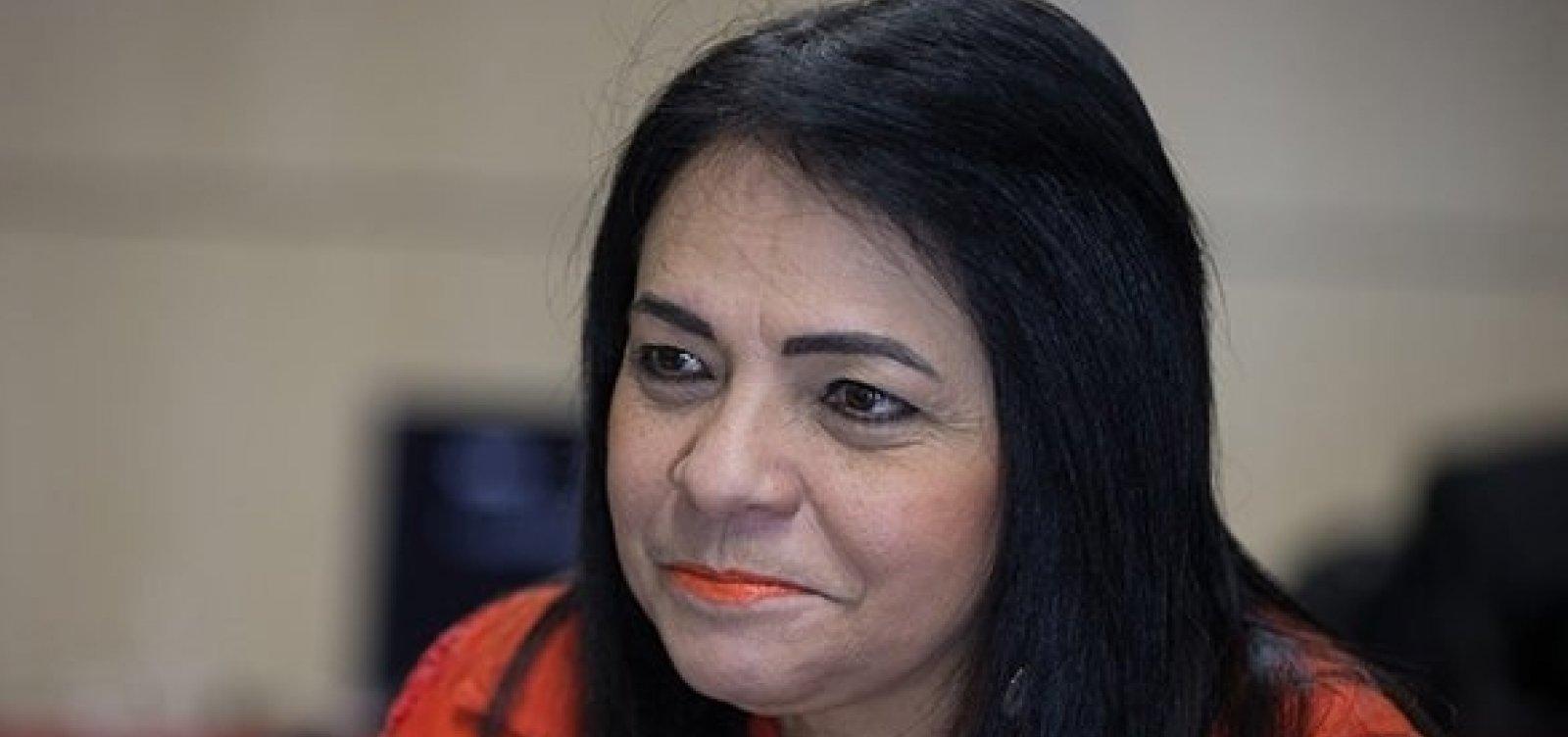 Lauro de Freitas: Moema é punida pelo TCM por licitação irregular
