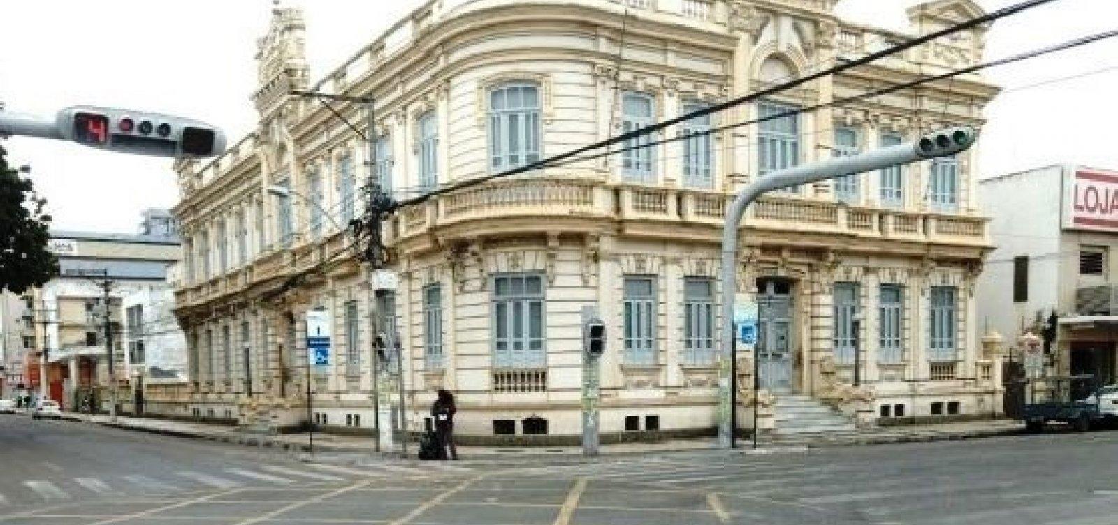 Após pagar R$ 1,05 mi sem licitação, prefeitura de Feira lança edital para serviço de contabilidade